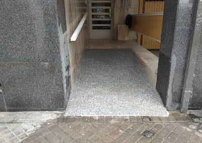 construccion rampa acceso minusvalidos en ourense