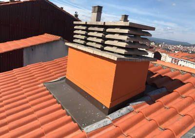 Reparacion y pintura de humedades en chimenea en Ourense